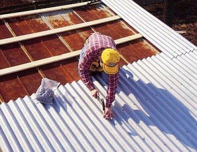 самостоятельная укладка шифера на крышу