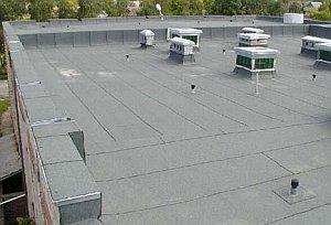 плоская крыша, сделанная из рубероида