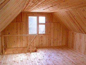 готовая мансарда под ломаной крышей