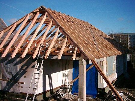 Как сделать четырехскатную крышу