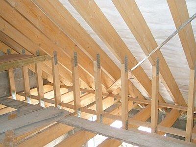 стропильная система крыши изнутри